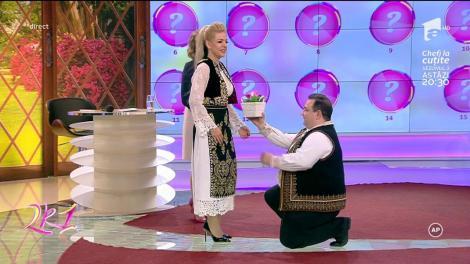 După 17 ani de aşteptare, un concurent şi-a cerut iubita de nevasta, chiar în platoul de la 2k1!