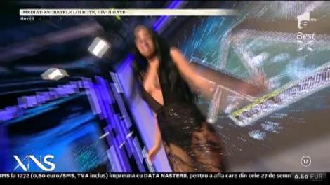 Apariţie de senzaţie! Daniela Crudu, cu un decolteu adânc şi într-o rochie transparentă!
