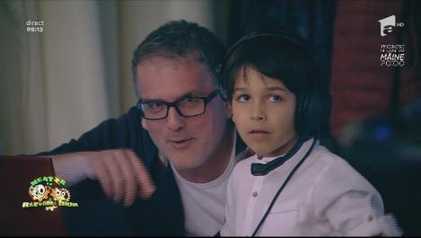 """""""Știți serialul ăla, doi bărbați și jumătate?"""" Băiețelul lui Răzvan a venit cu tati la emisiune: """"Neatza"""" are, astăzi, trei prezentatori!"""