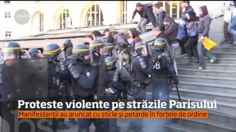 Rezultatele de la primul tur de scrutin al alegerilor prezidenţiale din Franţa au generat deja o serie de violenţe în Piaţa Bastiliei din Paris