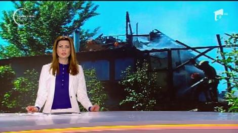 O cabană din lemn s-a făcut scrum într-o pădure de lângă Arad
