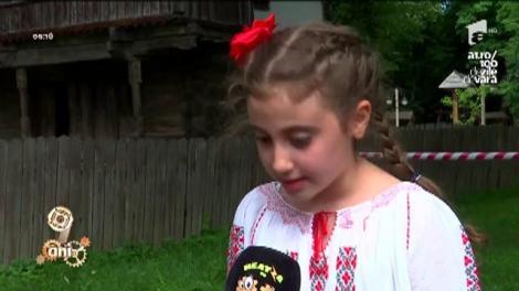 """Nea Mărin a încins cea mai mare horă la Muzeul Satului!  """"Îi aştept pe Răzvan şi Dani să vină la """"Poftiţi la muncă"""". Vreau să văd dacă mai rezistă. I-am altoit bine data trecută"""""""