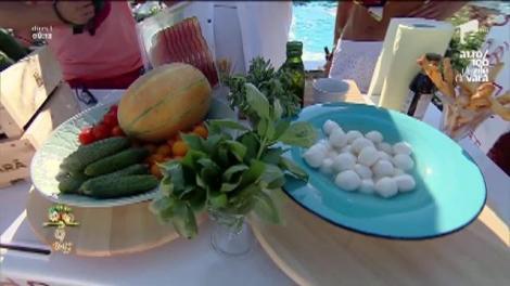 """""""Caprese fructato"""", un preparat delicios şi uşor de gătit"""