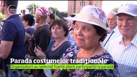 Parada costumelor tradiţionale la Festivalul Inimilor, organizat în Timişoara