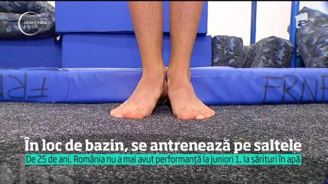 O poveste din România reală provoacă revoltă. În loc de bazin, se antrenează pe saltele!