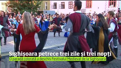 Dueluri încrâncenate în stil medieval la Sighişoara
