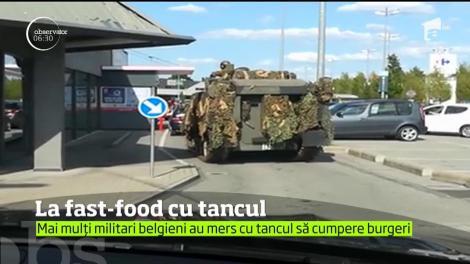Mai mulţi militari belgieni au mers cu tancul la fast-food