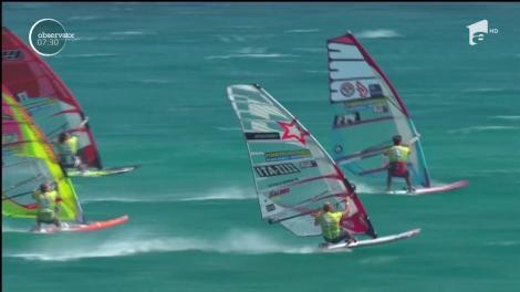 O competiţie strânsă a avut loc în apele Oceanului Atlantic
