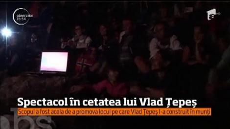 Spectacol în cetatea lui Vlad Ţepeş din Argeş