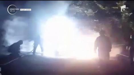 Ghenă de gunoi și o mașină, incendiate în Târgu Jiu