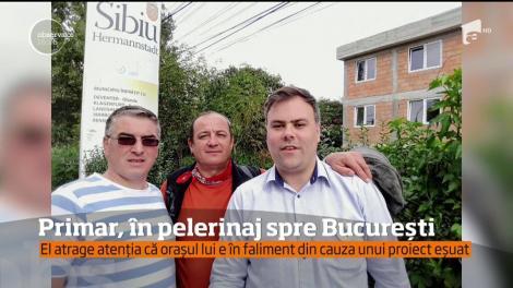 Primarul din Copşa Mică a recurs la o formă inedită de protest! Edilul sibian a plecat pe jos, spre Bucureşti