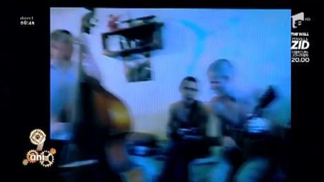 Smiley News! Cea mai tare orchestră din Rusia cântă într-o cameră de cămin