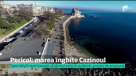 Nu este o glumă. Celebrul Cazino din Constanţa, înghiţit de valurile mării!!! În 50 de ani, construcția ar putea fi o amintire!