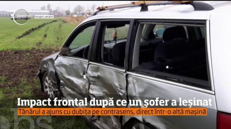 Impact frontal după ce un șofer a leșinat la volan