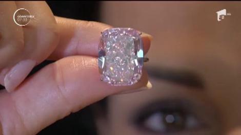 Cel mai mare diamant roz din lume va fi scos la licitaţie în Geneva