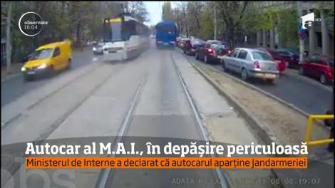 Un autocar al Ministerului de Interne a fost la un pas să provoace o tragedie, în București