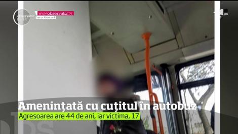 O femeie a ameninţat cu un cuţit o adolescentă de 17 ani, într-un autobuz din Ploieşti