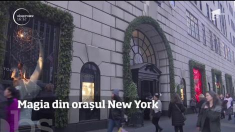 În preajma sărbătorilor de iarnă, New York-ul se transformă într-un oraş de poveste