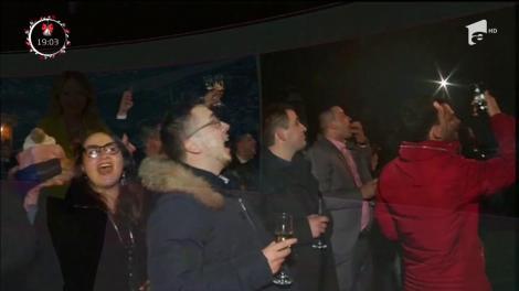 Povestea Revelionului celor o mie de invitaţi din Maramureş s-a scris până în zorii zilei