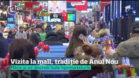 Vizita la mall, tradiție în prima zi din an