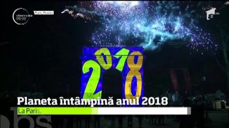 În marile oraşe ale lumii, Anul Nou a fost sărbătorit cu muzică, dans, jocuri de lumini şi mai ales focuri de artificii uriaşe