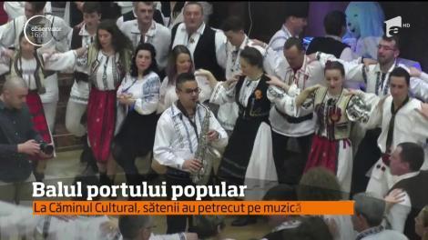 Sute de locuitori din judeţul Covasna şi-au luat costumele tradiţionale şi au petrecut cum ştiu ei mai bine!