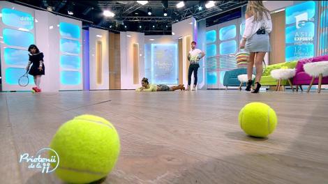 """Meci nebun de tenis, la """"Prietenii de la 11""""! Ramona, pe post de fileu uman: """"Vreau să-mi spui """"tenis"""" cu P"""""""