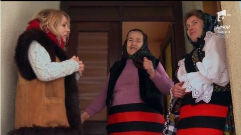 """""""Bună vă fie inima, ca fasolea vinerea!"""" Dana Săvuică, surprinsă plăcut de fetele satului și bunicuța care vorbește în rime"""
