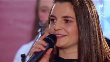 """A cântat Dumnezeiește o doină! Andreea Bălan nu s-a putut abține și a cântat cu Rodica, surpriza de la """"Ie, Românie"""""""