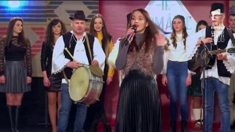 """Dans, glume și multă voie bună printre maramureșeni: """"Mândra mea-i frumoasă tare / Ca fundul de la căldare!"""". Andreea Bălan: """"Dați înainte și repetați și poate o să fiți împreună..."""""""