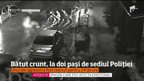 Un bărbat din județul Vâlcea a fost snopit în bătaie şi ameninţat cu cuţitul la doi paşi de sediul poliţiei