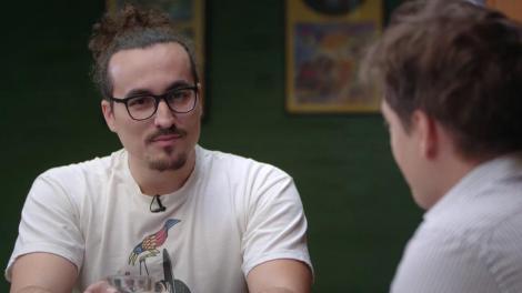 """""""Bătălia glumelor"""" cu cei mai tari oameni de stand up comedy: Alexandru Minculescu vs. Toma Alexandru"""