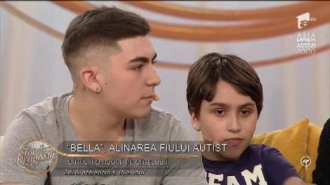 Incredibil! Cățelușa Bella este cea mai bună prietenă a lui Cătălin, copilul diagnosticat cu autism!