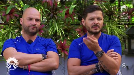 """Finala """"Asia Express"""" e doar pentru cei puternici! Liviu Vârciu și Andrei Ștefănescu fac totul pentru victorie! """"Gândac mic, dar delicios! Avea nişte picioare..."""""""