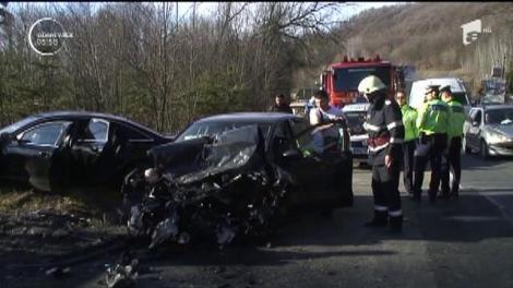Accident dramatic pe celebrul Deal Negru dintre Vâlcea şi Piteşti