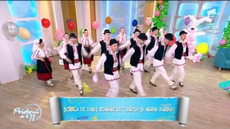 """Au impresionat! Școala de dans românesc """"Larisa și Marin Barbu"""", spectacol la Prietenii de la 11"""