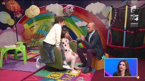 Cristina Spătar  și-a instruit bine copiii de acasă, dar vor asculta Aida Și Albert? Artista i-a rugat  să nu spună că merge în posteriorul gol prin casă!