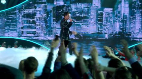 """Duel. John Legend - Ordinary People. Vezi cum cântă Dragoș Udilă, la """"The Four - Cei 4""""!"""