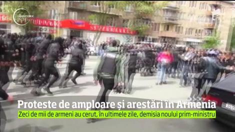 Trei deputaţi din Opoziţie şi aproape 200 de manifestanţi au fost arestaţi în capitala Armeniei, unde au loc proteste de amploare