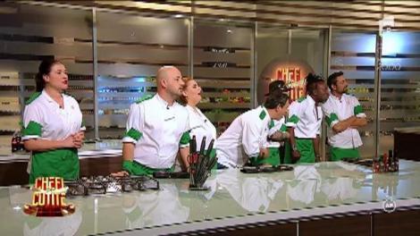 """Încep confruntările la """"Chefi la cuțite""""! Concurenții de la """"Asia Express"""" vor degusta din preparate cu piton, crocodil și cangur!"""