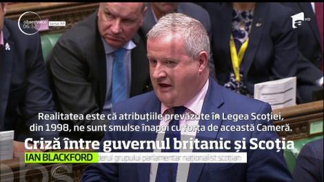 Parlamentul britanic a fost scena unui scandal major după ce liderul partidului naţionalist scoţian a fost dat afară din sală, din cauza protestelor sale repetate