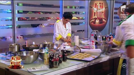 """Finaliștii """"Chefi la cuțite"""" pregătesc main course-ul: """"Îmi place foarte mult cum a ieșit farfuria"""""""
