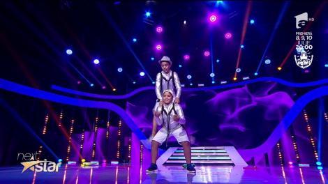 Leo și Ionuț, moment de jonglerie cu cercuri la Next Star