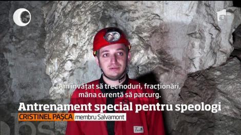 Antrenament special pentru speologi în munţii Apuseni!