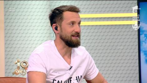 """Dani Oțil, despre cuplurile care merg la plajă: """"Dă-ți mă și pe umeri cu cremă, că te-ai înroșit"""""""