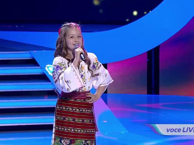"""Muzica populară, pe sufletul românilor! Andra Nețoi îți va face pielea de găină: """"Tu ai dulceață în voce, măi fetiță"""""""