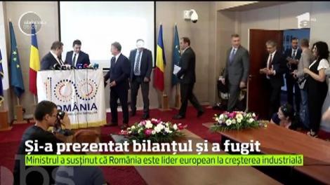 Dănuţ Andruşca, MInistrul Economiei, și-a prezentat repede bilanțul activității, apoi a fugit din fața presei