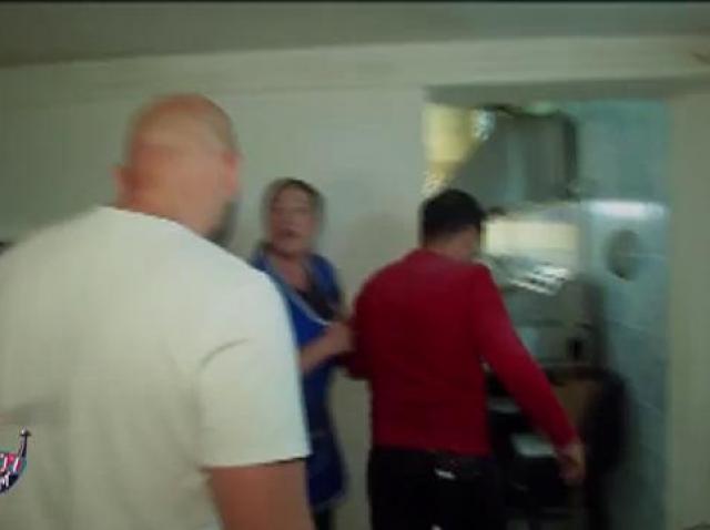 Marlena e disperată. Bucătăria ei e distrusă complet