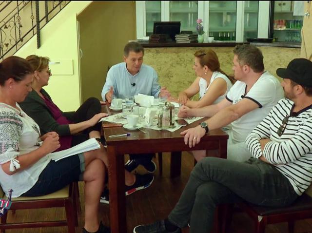 Adriana Trandafir, Carmen Tănase, Nicolai Tand și Cătălin Oprișan fac echipă cu Nea Mărin
