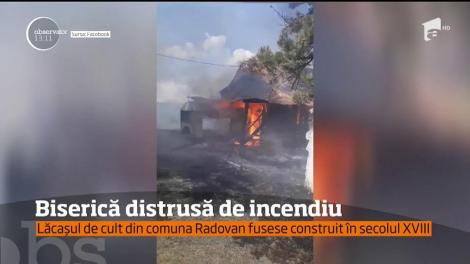 Incendiu puternic la o biserică din comuna Radovan din Dolj